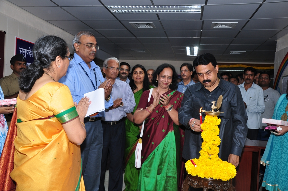 Mr.Sunil Prabhu, Mayorr of Mumbai inaugurating the nee Thalassaemia day Care Centre at LTMG Hospital, Sion